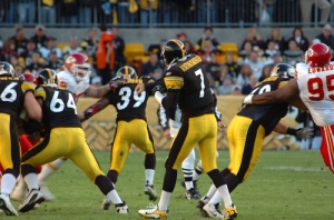 Ben Roethlisberger throwing