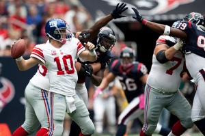 Eli Manning Throwing vs. Texans